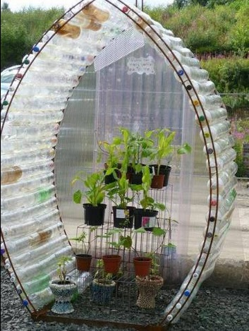 DIY-plastic-bottle-green-house-2.jpg